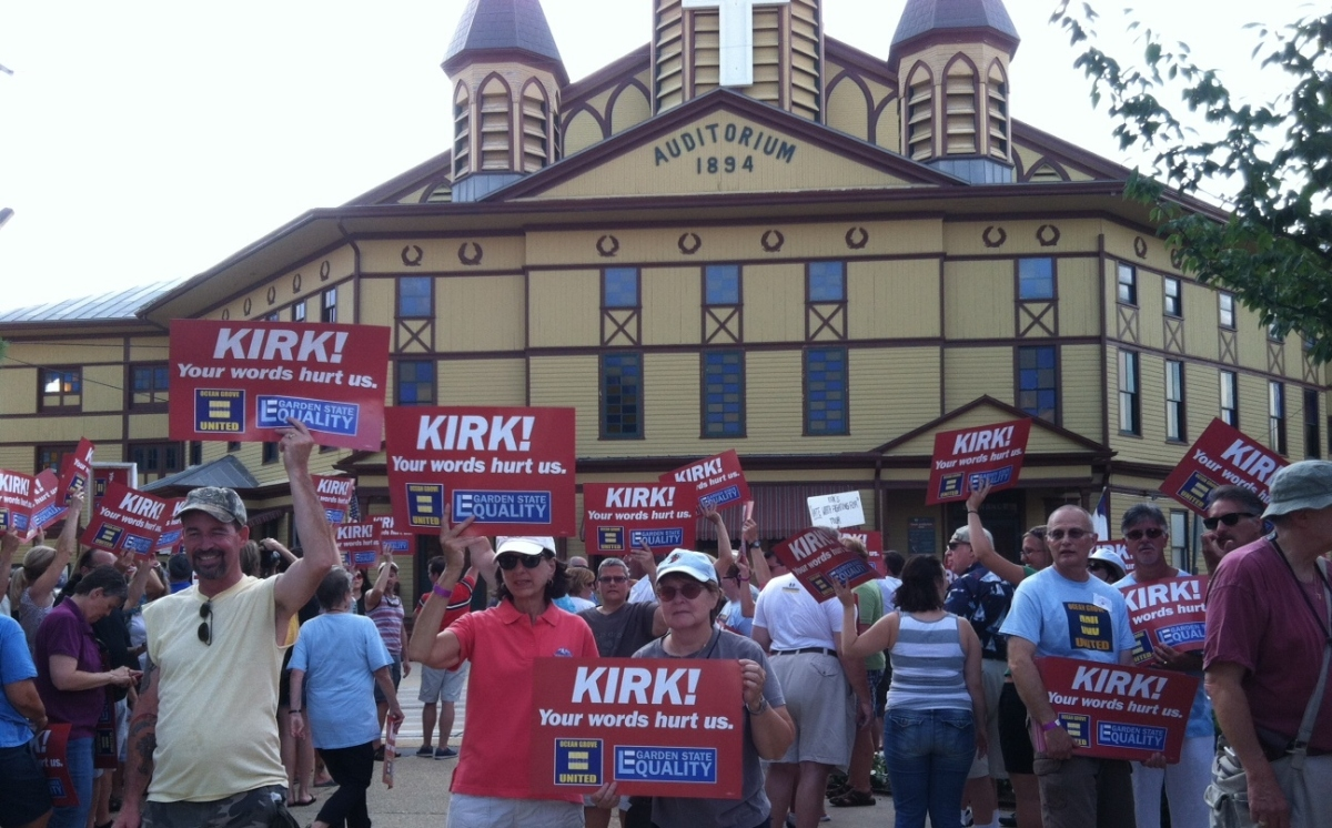 """""""LOVE YOUR NEIGHBOR"""": GROUP PROTESTS KIRK CAMERON IN OCEAN GROVE"""