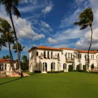 INSIDE THE AMAZING & INFAMOUS FORMER PALM BEACH KENNEDY COMPOUND: BUY IT FOR $38 MILLION